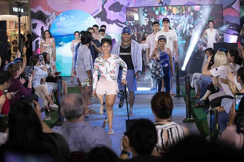 The fashion show included diferently-abled models.