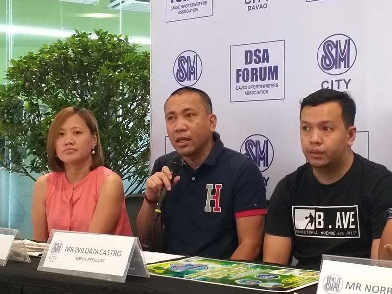 DAVAO. Mindanao Banana Farmers and Exporters Association Basketball League president William Castro (center) says proceeds of their basketball tournament will benefit an IP school who needs another classroom. (Marianne Saberon-Abalayan)