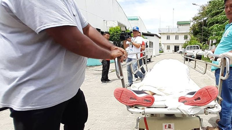 INSIDE JOB. Romy Ramas did not make it to the hospital alive after he was stabbed in the back while playing basketball inside the Mandaue City Jail-Male Dormitory on Monday, July 29, 2019. The 22-year-old victim was said to be an underling of drug lord Steve Go, who was also killed in the facility last year. (SunStar Photo/Arvie Veloso)