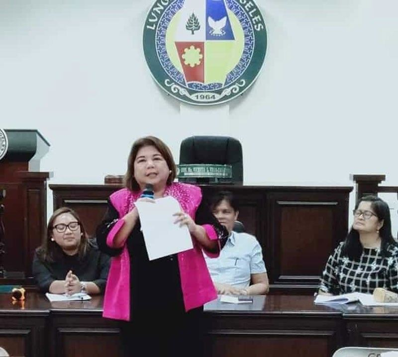 PAMPANGA. In this file photo, Angeles City Vice Mayor Vicky Vega-Cabigting addresses participants of the Civil Society Organization Conference held at the SP Session hall recently. Also present are the Mayor's chief of staff lawyer Kercee Pineda Lazatin and CPDO Ami Dacanay. (Chris Navarro)