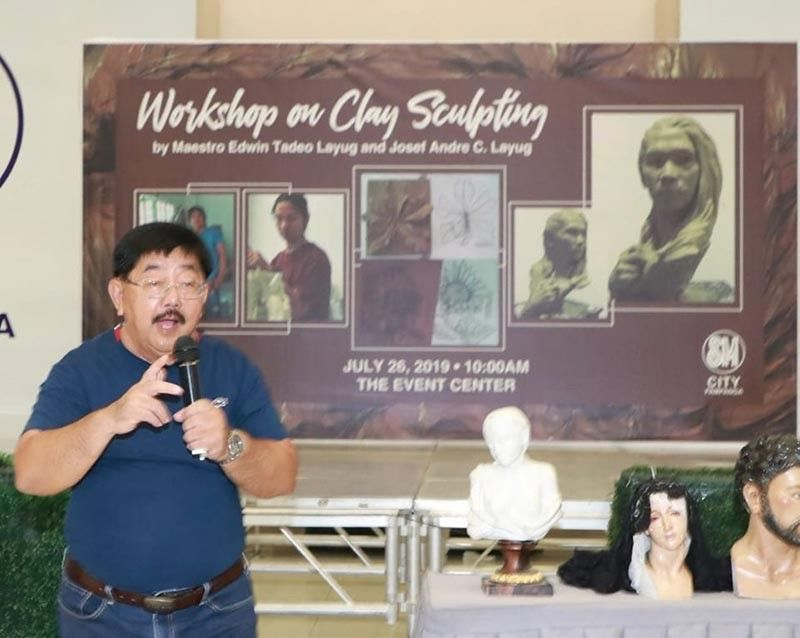 PAMPANGA. Guagua Mayor Dante Torres urges high school students to be involved in different kinds of art forms and stay away from illegal drugs, during a recent workshop on clay sculpture held at SM City Pampanga. The mayor and Presidential Merit Awardee for Ecclesiastical Art Willy Layug are working on the possibility of introducing wood carving among public schools in Guagua's Betis District. (Chris Navarro)