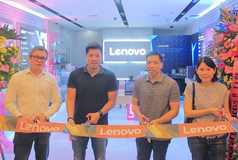 MANILA. In its bid to provide customers a premium experience, Lenovo, the number one PC and smart devices developer, redesigned its exclusive concept store in SM Megamall. Sporting a more sophisticated and modern look, the store showcases Lenovo's latest devices and accessories, all of which are available for visitors to personally experience. In photo from left to right: Michael Ngan, Country General Manager, Lenovo Philippines; Derrick Yu, President, AccentHub; Mike Taino, Vice-President Sales and Marketing, AccentHub; and Sally Yu, Consumer Lead, Lenovo Philippines. (PR)