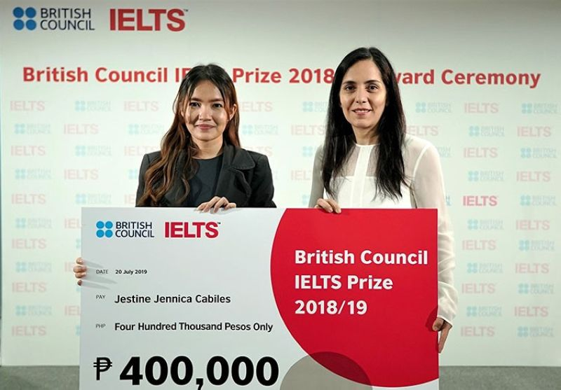 Jestine Jennica Cabiles at the awarding ceremony, with Pilar Aramayo Prudencio, director of the British Council in the Philippines. (PR)
