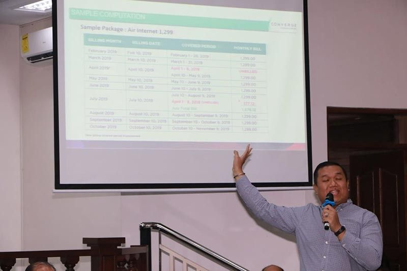 PAMPANGA. JP Aguilar of Converge explains the new billing scheme during a legislative inquiry of the Angeles City Council presided by Vice Mayor Vicky Vega Cabigting. (Chris Navarro)