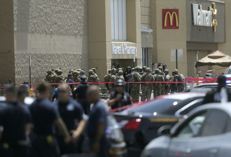 EL PASO, Texas. Several law enforcement agencies respond to an active shooter Saturday, Aug. 3, 2019, at a Walmart in El Paso, Texas. (Mark Lambie/The El Paso Times via AP)