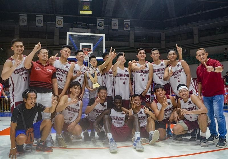 DAVAO. The Phinma Southwestern University (SWU) Cobras is crowned champion of the Cebu Schools Athletic Foundation Inc. (Cesafi) Partners Cup 2019 after beating University of the Visayas (UV) Green Lancers, 74-65, Sunday, August 4, at the Cebu Coliseum. (Photo by Arni Aclao/SunStar Cebu)