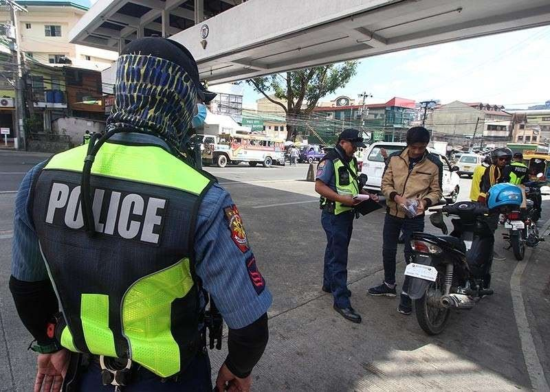BAGUIO. Police conduct a checkpoint in this file photo in Baguio City. (File Photo)