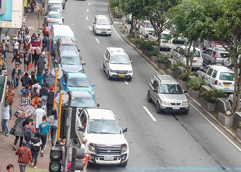 BAGUIO. The supposed closure of Session Road from the DBP rotunda from 6 a.m. to 9 p.m. for an experimental scheme in support to the plan to pedestrianize the road on August 4 was postponed pending some problems being ironed out. Photo by Jean Nicole Cortes