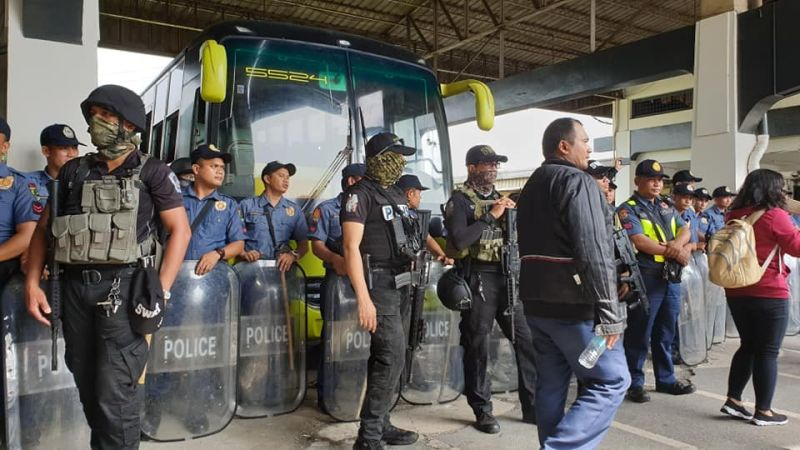 BACOLOD. Ceres South Terminal in Sambok, Lopez Jaena, Bacolod City closes after the Philippine National Police-Supervisory Office for Security and Investigation Agencies installed the personnel of AGNSA Security Agency. Southbound bus trips were suspended. (Photo by Teresa D. Ellera)