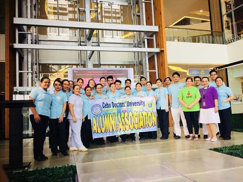 Cebu Doctors' University College of Nursing volunteers together with Dr. Maria Martina Jordana-Leyson, DMD.