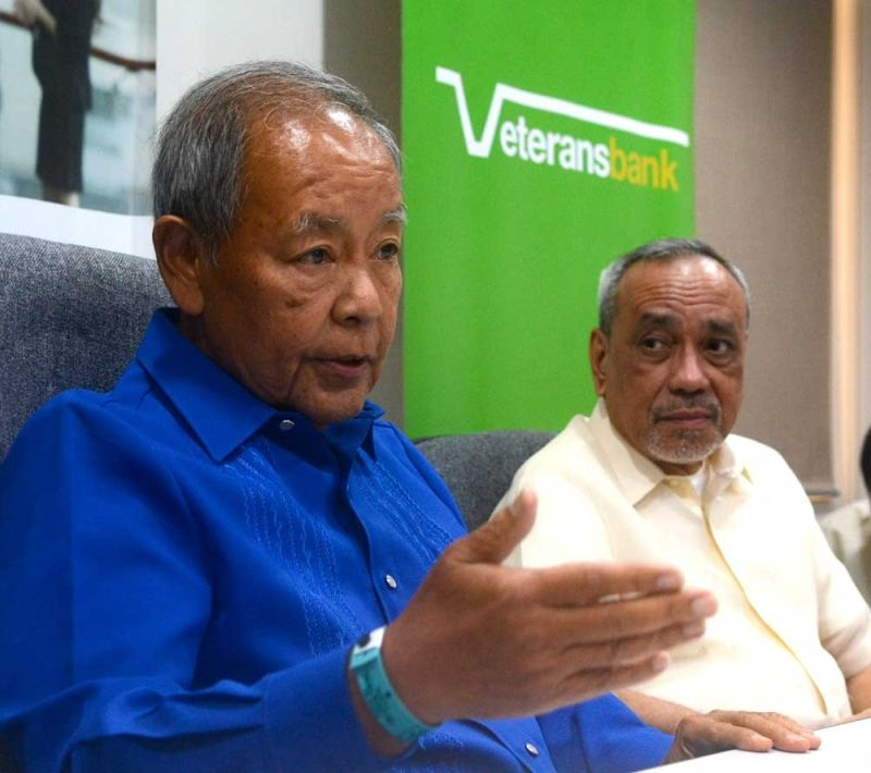 CEMENTING ITS FOOT-PRINT IN CEBU: Philippine Veterans Bank chairman and chief executve officer Roberto De Ocampo (left) says Cebu plays a vital role in the bank's healthy growth story. With him is Renato Claravall, the bank's president and chief operating officer. (SUNSTAR FOTO / ARNI ACLAO)