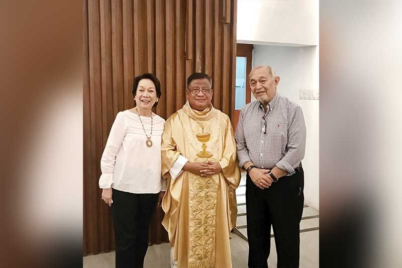 GOLDEN COUPLE. Ferdie and Corie Jakosalem after their 50th wedding anniversary mass officiated by Fr. Lucas Inoc.