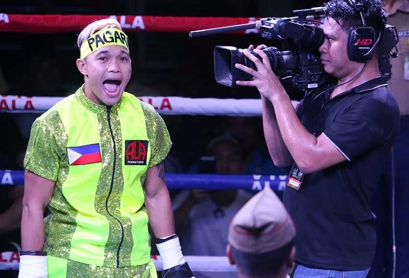 IMPORTANT FIGHT. Prince Albert Pagara (left) fights Thai Rachanon Sawangsoda in the main event of Pinoy Pride 46 in Ormoc City on Aug. 17, 2019.  (SunStar file photo)