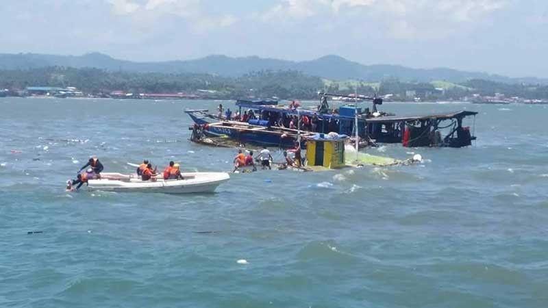 RESPONDE: Ang Philippine Coast Guard daling miresponde sa pag-unlod sa usa ka motorbanca nga pasaheroan sa kadagatan sa Calbayog City. Tanan naluwas tungod sa dinaliang pagresponde sa mga awtoridad. (Tampo sa PCG Eastern Visayas)