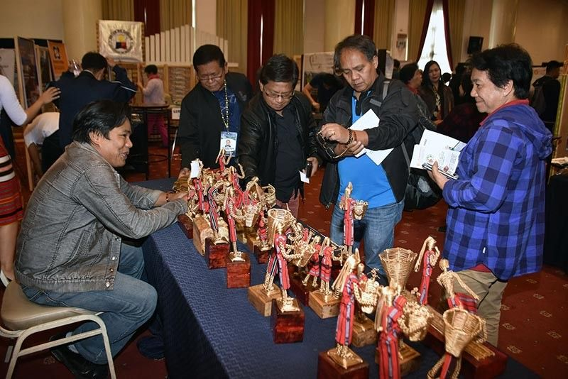 BAGUIO. Wire Art. Handmade wire sculptures made by Lito Malaggay featuring Cordillera's culture was displayed during the 4th Cordillera Environmental Summit. (Photo by Redjie Melvic Cawis)