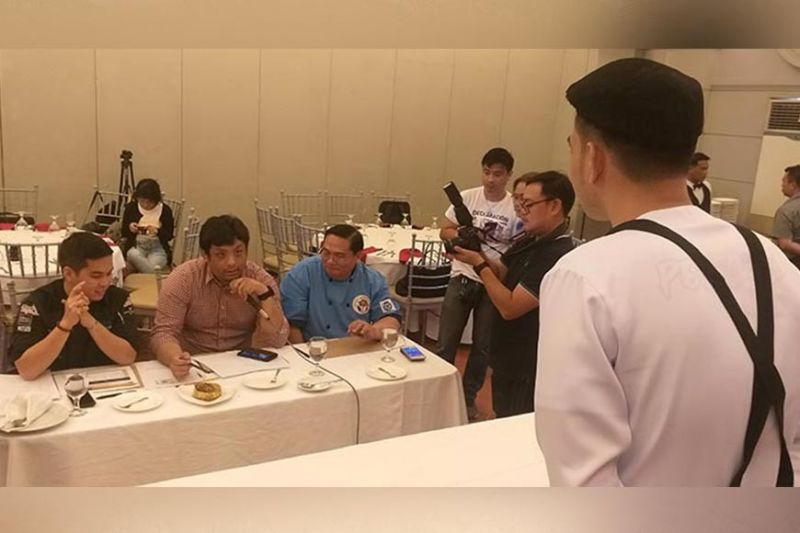 BACOLOD. Great Harvest Academy Technical Skills owner and founder chef Sammy Nuarbe (seated right) with fellow Negrense chefs BJ Uy (seated center) and Don Colmenares during the Culinaria and Mixology Screening of the 2019 Tanduay Rum Festival at Planta Hotel in Bacolod City on Sunday, August 11, 2019. (Photo by Erwin P. Nicavera)
