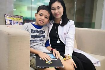 Dr. Lareen Dawn Tan and her -year-old patient. ((Contributed photo)