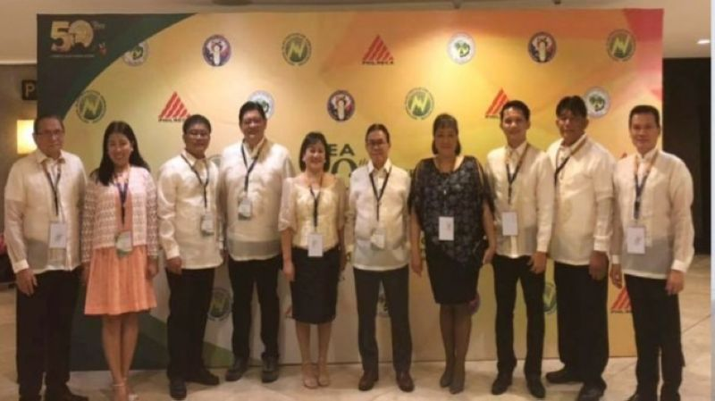 BACOLOD. (From left) Ceneco District 9 director Joselito Gaston, Silay area manager Lilibeth Gadian, District 8 director Noel Alarcon, District 2 – Bacolod South director Beda Tumbos, Institutional Services department manager Lolita Jayme, Board President Dwight Carbon, Human Resource Division chief Ma. Agnes Claro, Murcia area manager Hernani Veniegas Jr., CURE Union president Roydan Cayao, and Talisay area manager Dennis Fernandez during the Golden Dagitab awarding rites held at the Philippine International Convention Center Reception Hall in Pasay City on August 8. (Contributed Photo)