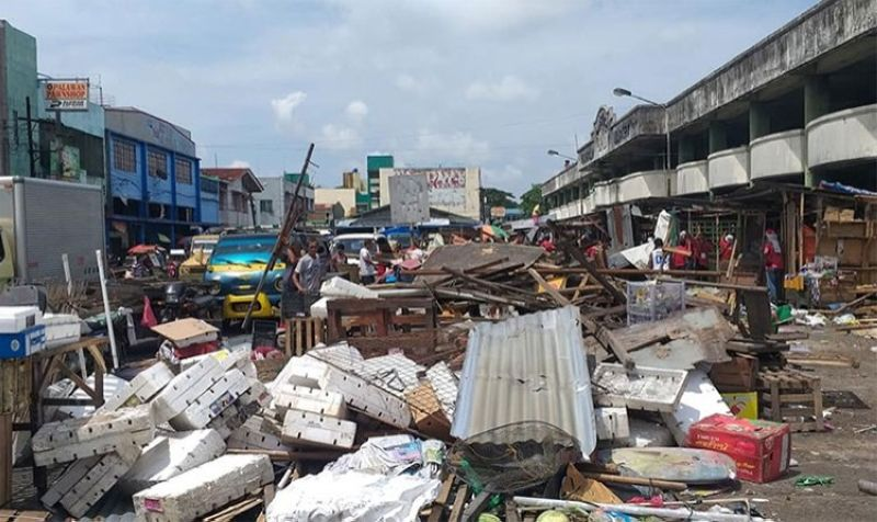 BACOLOD. Clearing operation at  Libertad Public Market in Bacolod City on August 15, 2019. (Erwin Nicavera)