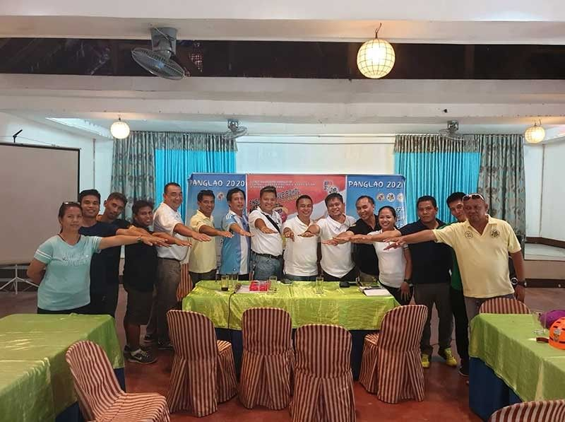MOVING FORWARD. Rodney Orale (seventh from right) and other members of the Central Visayas Football Association meet with football stakeholders in Bohol to discuss their plans and program for the province. (Contributed photo)