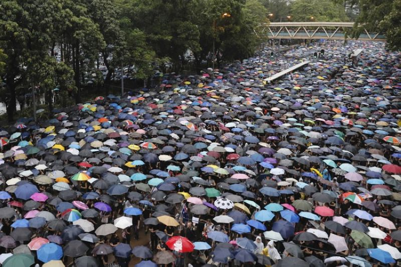 HONG KONG. Protesters gather in Hong Kong Sunday, August 18, 2019. Thousands of people streamed into a park in central Hong Kong for what organizers hope will be a peaceful demonstration for democracy in the semi-autonomous Chinese territory. (AP)
