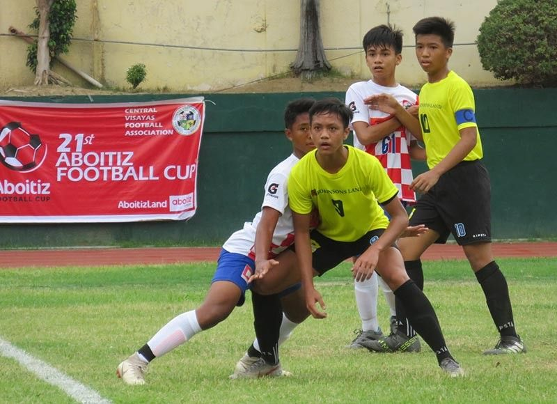 REPEAT PERFOR-MANCE. The Central Visayas Football Association Boys 15 team scored its second straight rout of Eastern Visayas Regional Football Association to jump to second in Group E. (SunStar file)