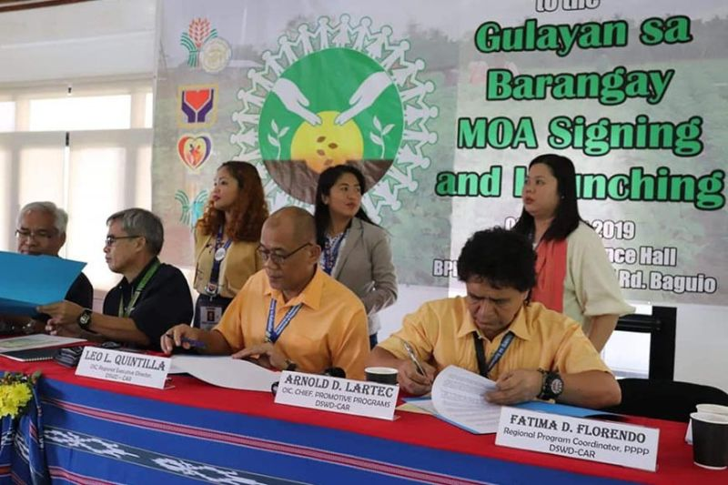 BAGUIO. Officials from DSWD and DA in the Cordillera region sign the memorandum of agreement in the implementation of Gulayan sa Barangay for the Pantawid Pamilya beneficiaries in the region recently. (Contributed photo)