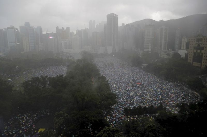 HONG KONG. Protesters gather on Victoria Park in Hong Kong Sunday, August 18, 2019. Thousands of people streamed into the park for what organizers hope will be a peaceful demonstration for democracy in the semi-autonomous Chinese territory. (AP)