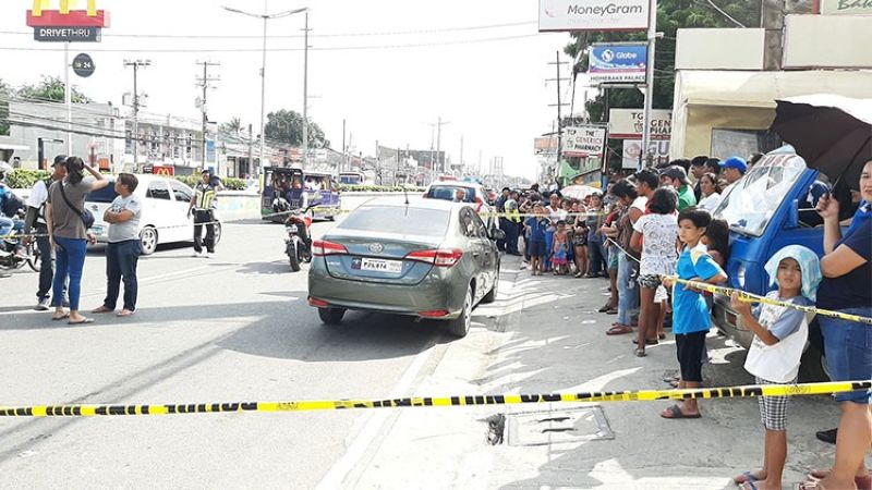CEBU. Police cordoned off the area where the shooting happened Monday, August 19, 2019. (Alan Tangcawan)