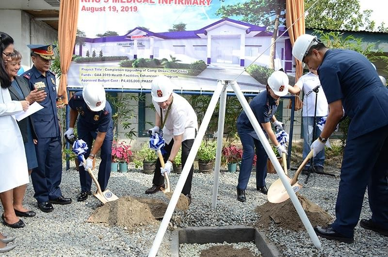 PAMPANGA. Health Secretary Francisco Duque III leads the groundbreaking ceremony of the PRO-Central Luzon Health Clinic together with Brigadier General Joel Napoleon Coronel, PRO-Central Luzon director. Also in photo is Brigadier General Leonardo Cesneros, deputy regional director for administration. (Ric Sapnu)