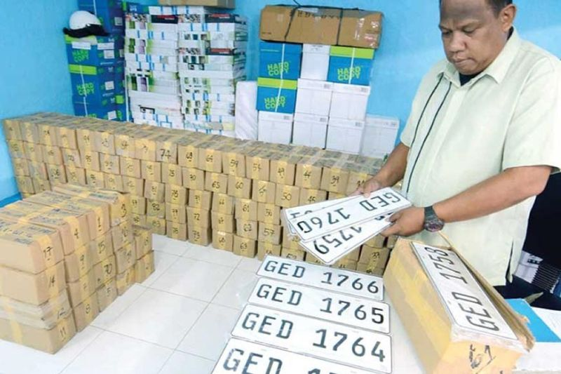 DAVAO. Thousands of plate numbers are in the custody of the Land Transportation Office waiting to be claimed by vehicle owners. (SunStar File Photo/Arni Aclao)