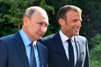 FRANCE. French President Emmanuel Macron, right, welcomes Russian President Vladimir Putin at the Fort of Bregancon in Bormes-les-Mimosas, southern France, Monday, August 19, 2019. French President Emmanuel Macron and Russian President Vladimir Putin are meeting to discuss the world's major crises, including Ukraine, Iran and Syria, and try to improve Moscow's relations with the European Union. (AP)
