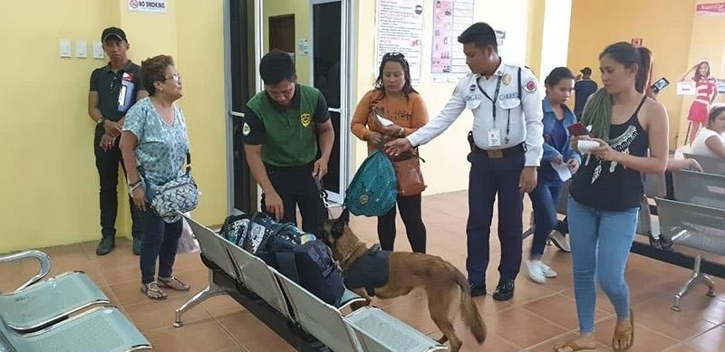 BACOLOD. An agent of the Philippine Drug Enforcement Agency-Western Visayas conducts random drug check at the Bacolod Silay Aiport and Bacolod City port. No drugs were recovered in the said checks. (PDEA-Western Visayas Photo)