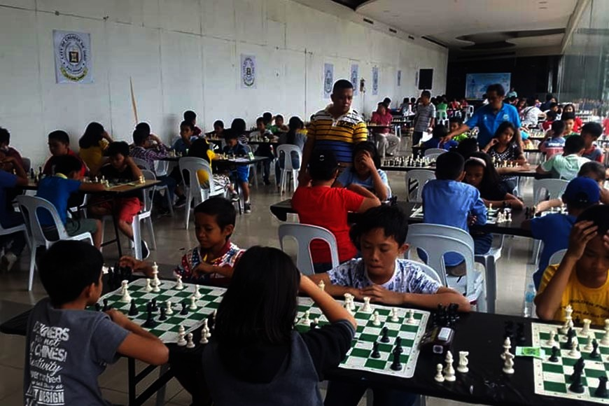 CAGAYAN DE ORO. Young chess hopefuls also take centerstage in the recent Fiesta Chess Open at Limketkai Mall, Cagayan de Oro City. (Lynde Salgados)