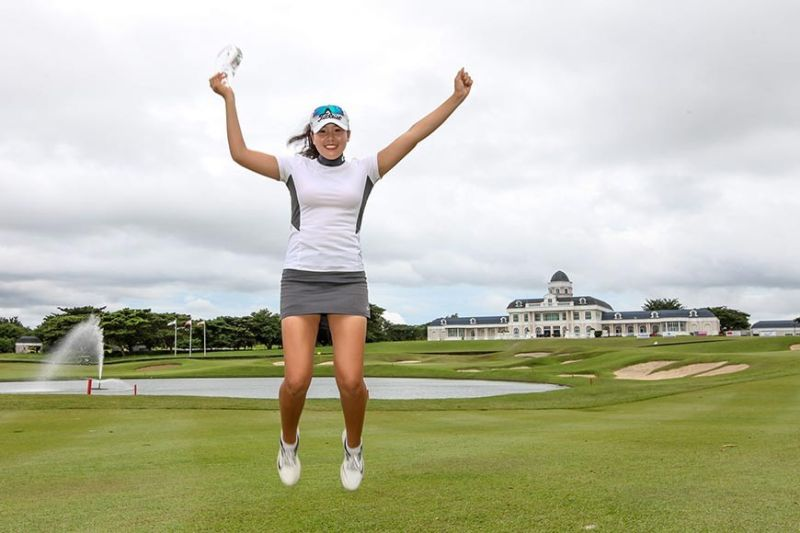 WINNER. Hwang Min-Jeong, who is only 17, celebrates after winning the Women's Open Champion-ships. (Contributed photo)