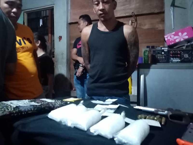 DRUG HAUL. Ludevico Villacorta Abadiez is arrested with P3.5 million worth of suspected shabu in his house in Barangay Ermita, Cebu City. (Contributed Photo)