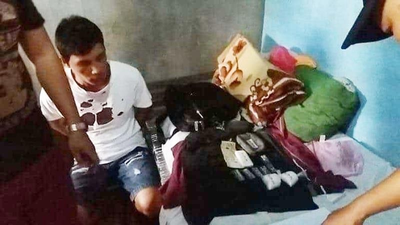 BACOLOD. Operatives of the Regional Drug Enforcement Unit-Western Visayas seize P900,000 worth of shabu in a drug bust in Barangay 6, Bacolod City Tuesday, August 27, 2019. (Bombo Radyo Bacolod)