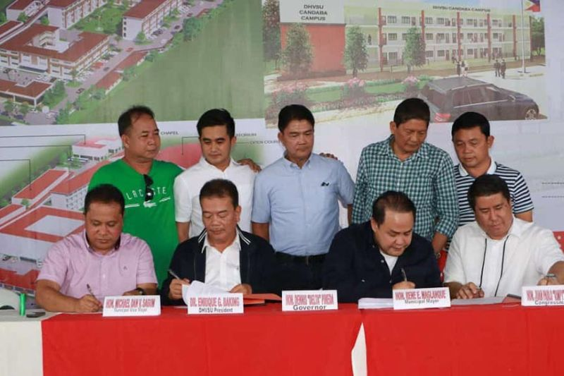 PAMPANGA. Pampanga Governor Dennis Pineda, Rep. Juan Pablo Bondoc, Candaba Mayor Rene Maglanque and DHVSU president Dr. Enrique G. Baking signed Thursday, August 29, 2019, the MOA and conditional Deed of Donation for the 2.3-hectare lot in Barangay Pasig, Candaba. (Chris Navarro)