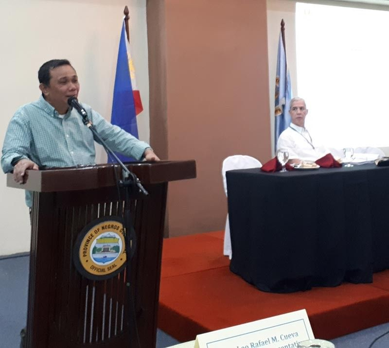 BACOLOD. Social Housing Finance Corporation president and lawyer Arnolfo Ricardo Cabling urges local government units in Negros Occidental to partner with their agency in their housing needs as Negros Occidental Governor Jose Eugenio Lacson, right, looks on. (PIA)