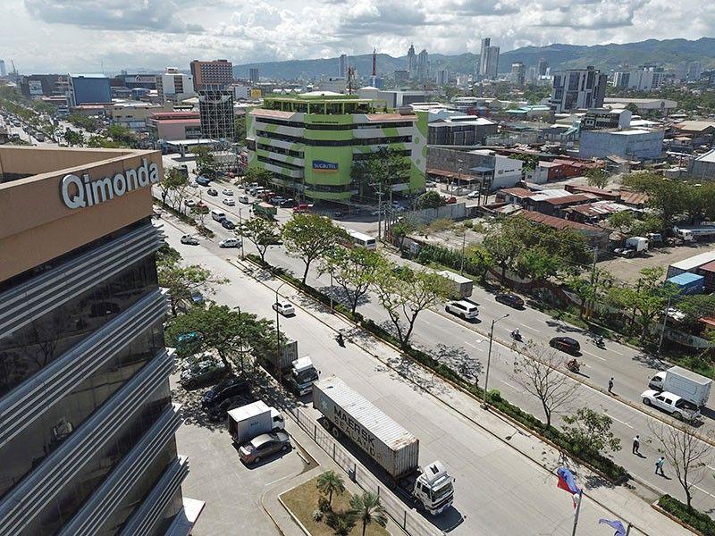 Bzzzzz: Qimonda, Cebu community 'unsafe' for lawyers? - SUNSTAR