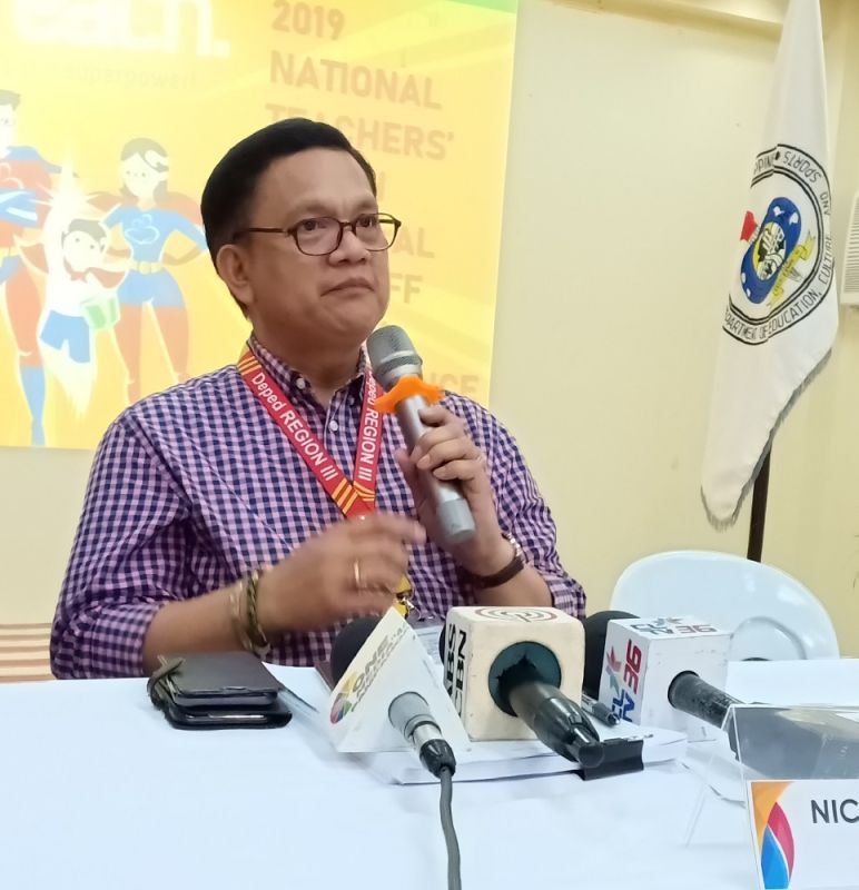 PAMPANGA. DepEd Regional Director Nicolas Capulong highlights the importance of competence during the launch of the 2019 Search for Outstanding Teachers and School Heads. (Photo by Ian Ocampo Flora)