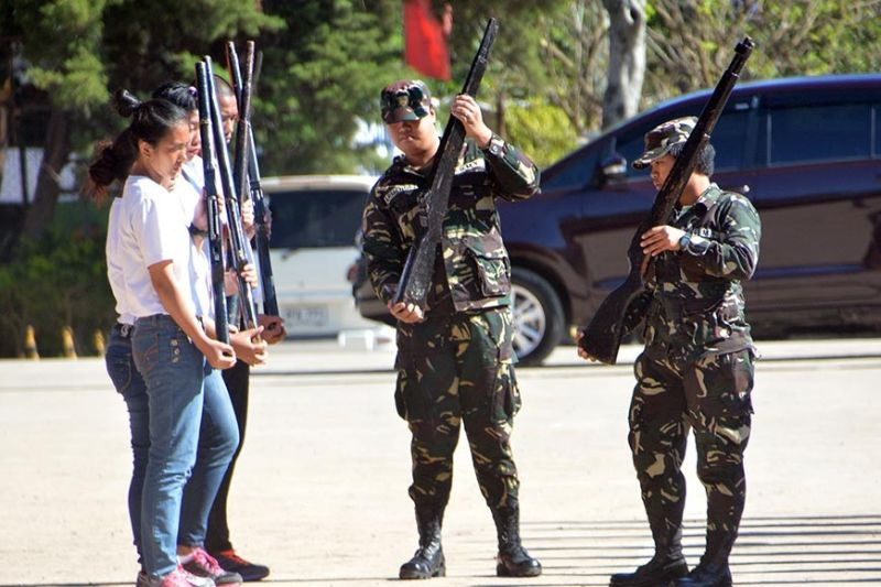 BAGUIO. College students train under the Reserve Officers Training Course (ROTC) as part of their elective. A proposed bill in the Congress seeks to mandate all college students to enroll in ROTC. (SSB file photo)