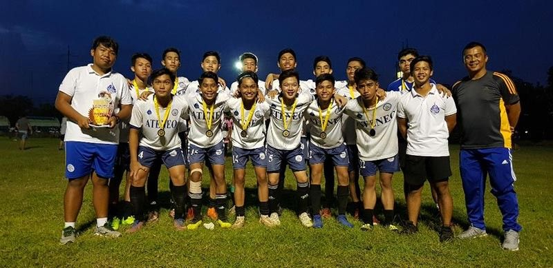 BACK-TO-BACK CHAMPS. The Ateneo de Davao University secondary boys football team defends the title in the just-concluded Dacs Sportsfest 2019 secondary boys football competition at Tionko field along Quimpo Boulevard, Davao City. BAI SIANG LIM