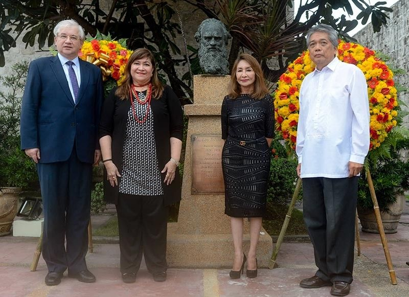 1 honoring a great russian. On the 193rd birth anniversary of the Russian novelist Leo Tolstoy, officials gather to lay wreaths on his bust at the Museo Sugbo in Cebu City on Monday, Sept. 9, 2019. From left, Russian Ambassador Igor Anatolyvich Khovaev, Russian Consul Armi Lopez Garcia, Cebu Gov. Gwendolyn Garcia and Philippine-Russian Business Assembly Director Caesar Atienza graced the event. (Sunstar Photo / Arni Aclao)