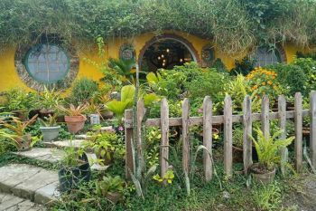 PANGASINAN. The Hobbit Farmville boosts agri-tourism in San Fabian town, Pangasinan as it also helps farmers gain additional income. It is located at Barangay Liit Tomeeng. (Photo by Hilda Austria)