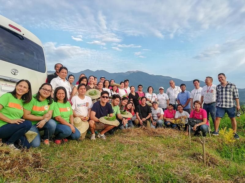 NEGROS. Fifty participants composed of travel operators, tour guides, bloggers, media and farm tourism stakeholders join the first farm tourism familiarization tour to the various agri-tourism sites of Bago last September 4. (Photo by Ruel Cadigap)