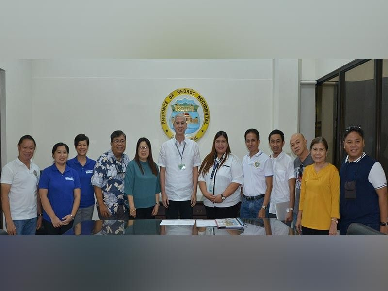 NEGROS. BFAR-Western Visayas Director Remia Aparri (fifth from left) on the sidelines of their meeting with Negros Occidental Governor Eugenio Jose Lacson (sixth from left) at the Provincial Capitol in Bacolod City Monday, September 9, 2019. (Photo courtesy of Richard Malihan)