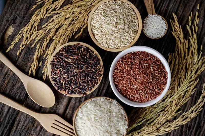 DAVAO. Faced with options, always choose your health, choose organic. Perfect brown, red, and black rice is cooked by soaking the rice in water for at least 30 minutes before turning on the stove or cooker. Water level should be at least twice the amount of rice. (Photo by Hellosehat)