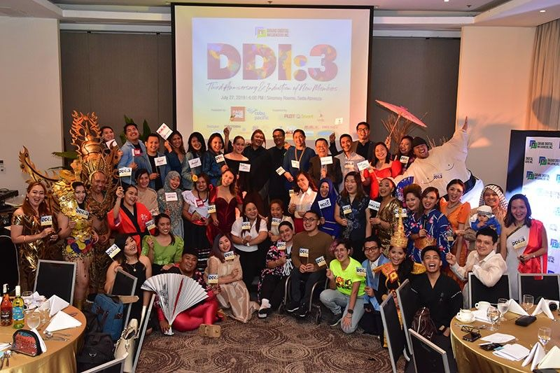 #TEAMDDI. Members of the Davao Digital Influencers mark another year of engaging, influencing, and making a difference in the community it is in. (Photo by Macky Lim)