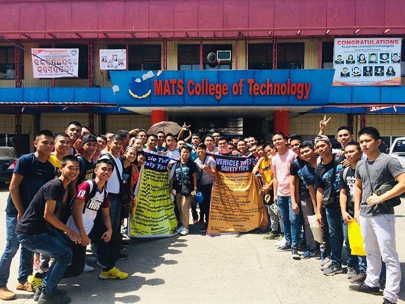 """DAVAO CITY. Madasigon nga nagpahulagway ang pipila ka mga tinun-an sa Bachelor of Science in Marine Transportation (BSMT) sa MATS College of Technology sa Davao City human sa ilang training labot """"vehicle theft safety tips"""" sa milabay nga semana. Ang MATS College of Technology maoy usa sa mga tunghaan sa Davao City diin nanguna sa kurso nga BSMT ug Bachelor of Science in Marine Engineering (BSMarE). (Hulagway gipaambit sa MATS Martime Department)"""